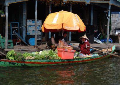floating-produce